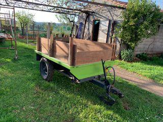 Se vende remolque para tractor Pasquali