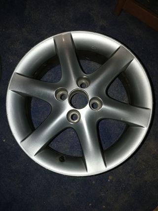 "Llantas aluminio 15"" Toyota Corolla"