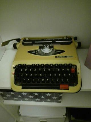 máquina de escribir alemana