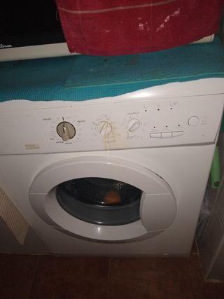 lavadora como nueva Edesa carga de 6 kg 1400 revol