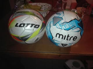 dos balones de futbol