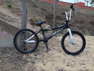 Bicicleta MONTY original