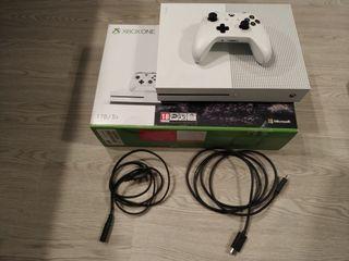 Xbox One S 1TB con mando y cables (NO NEGOCIABLE)