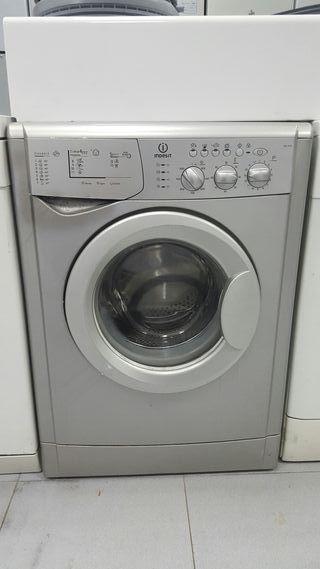 lavadora marca INDESIT 6kg