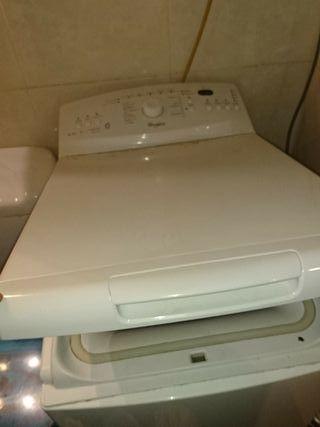 Lavadora y frigorífico con congelador