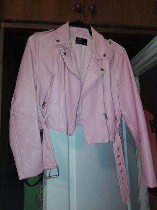 chaqueta rosa de cuero