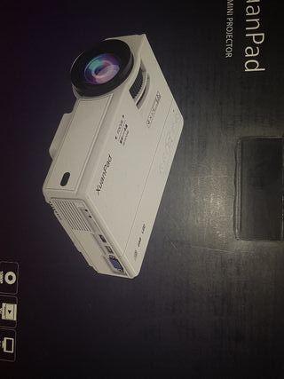 Mini proyector Xuampad sin estrenar con su caja