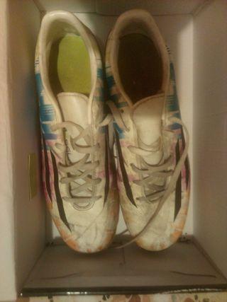 botas de futbol mercurial y adidas