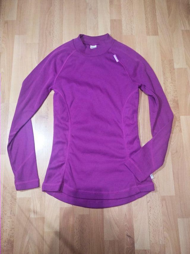 6071a9101 Camiseta termica talla S M de segunda mano por 1 € en Madrid en WALLAPOP