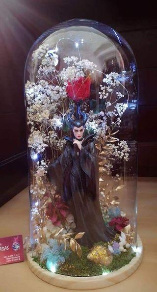 cúpula malefica colección Disney (angelina joliel