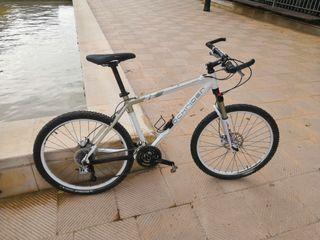 Bicicleta de Montaña Rockrider 8.2