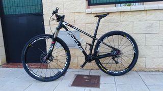 Bicicleta mtb focus raven 29