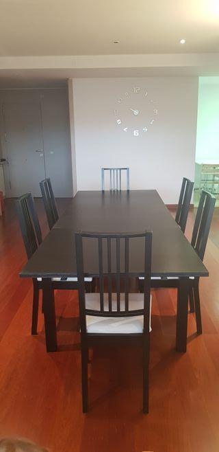 Mesa extensible + 6 sillas como nueva