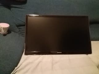 Television Samsung de 27 pulgadas