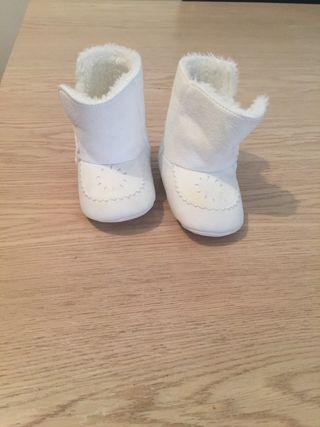 Zapatos botas bebé blanco 17-18 casi nuevos