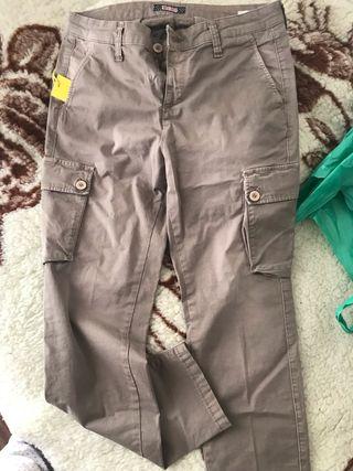 Pantalón nuevo talla 30