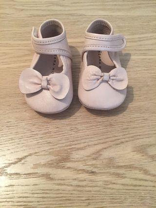 Zapatos bebé rosa palo nuevos Zara num 16-17