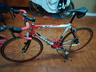vendo bicicleta BH carretera
