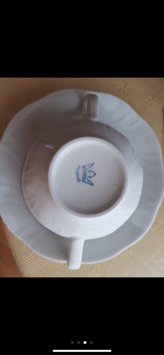 Juego de porcelana. Sopera.