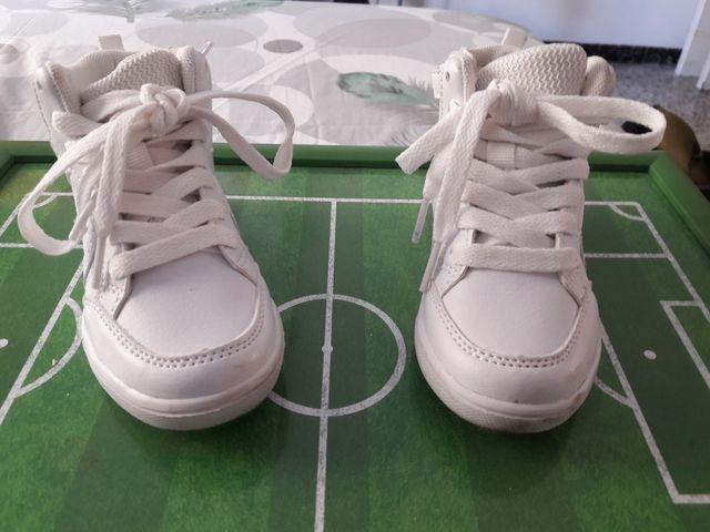 581412f27 Vendo Excelente Zapatos Niño Talla 24 de segunda mano por 5 € en ...