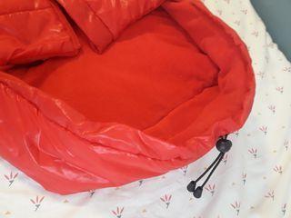 saco rojo prenatal para silla forradito por dentro