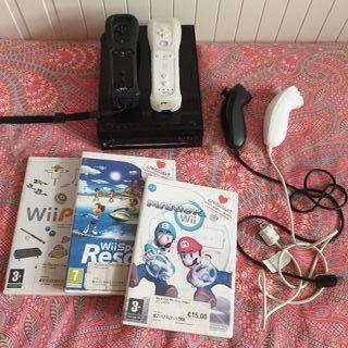Wii en Negro 3 juegos + 2 Mandos + 2 Nunchuk