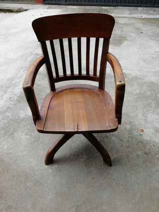 Silla oficina madera antigua