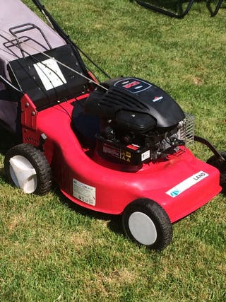 Self propelled 19 inch Petrol Land Lawn Mower