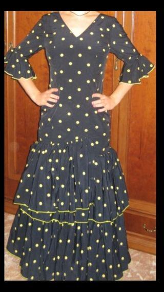 traje flamenca mujer negro y amarillo