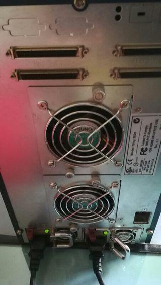 SAN SCSI Arena 8 discos duros sata