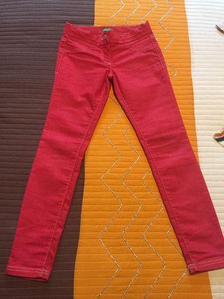 Pantalón de Benetton talla L (8-9 años)