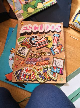Album cromos ESCUDOS