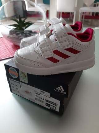 Deportivas Adidas 23