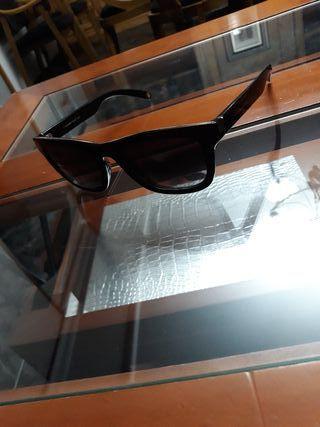 Gafas de sol marca Roberto(PRECIO NEGOCIABLE)