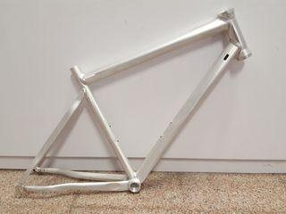Cuadro bici ruta nuevo a estrenar 54