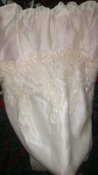 vestido de novia. blanco roto(color)