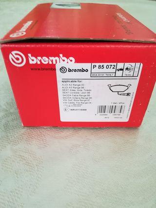 pastillas de freno delanteras marca Brembo (