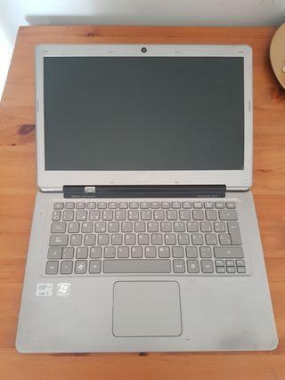ACER i5 320gb SDD