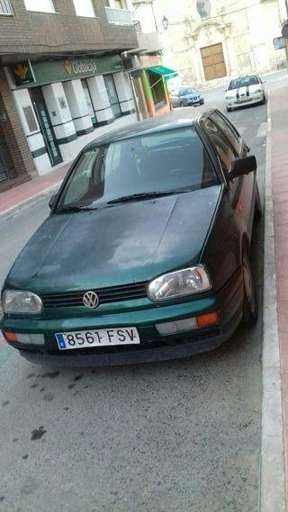 Volkswagen Golf 1997 en buen estado muy económico