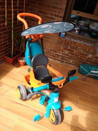 Triciclo transporte bebé