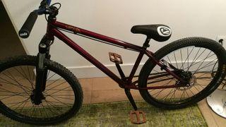Bicicleta dirt DK Xenia