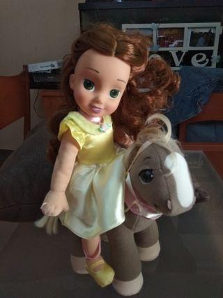 Muñeca Peluche Bella con Caballo