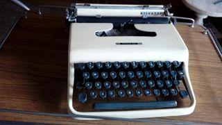 maquina escribir Olivetti años 70.