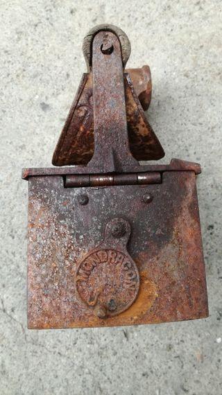 plancha antigua de carbón