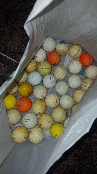 Se venden 35 pelotas de golf hay que limpiarlas