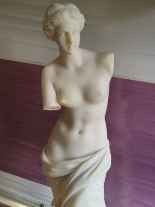 Estatua Made in Grecia