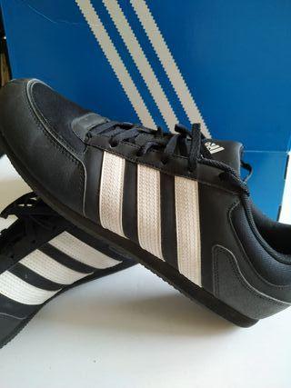 zapatillas Adidas negras Talla 46