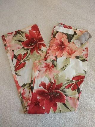 Pantalón flores NUEVO Talla 44