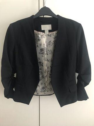 Cropped black blazer H&M