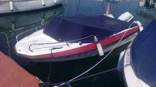 barco con remolque